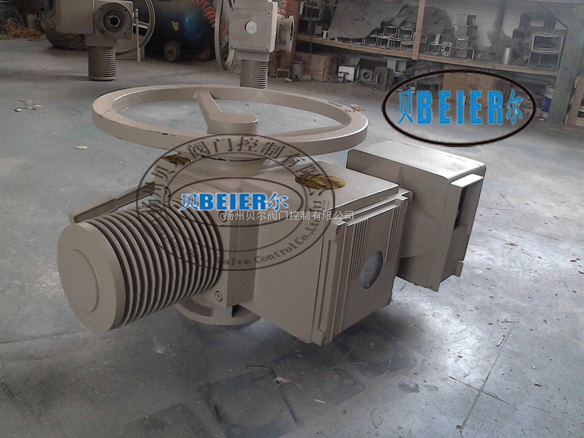 西门子电动执行机构 扬州西门子生产厂家 西门子电动执行器 名称: 2SA30西门子电动执行器型号: 2SA规格: 2SA30系列介绍2SA30系列执行器适用于对开环控制或闭环控制系统中各类闸阀、截止阀及调节阀等阀门进行控制或调节的一种装置,防护等级为IP65,最高可达IP67。2SA30开关型电动执行机构输出转矩范围:10Nm-4000Nm,转速范围:5-160rpm。 该型号机构合理,通用性强,可适合多种配套功能的需要,在2SA30上加装电机控制模块盒(LK)可实现就地操作,方便安装和使用,节省费用。