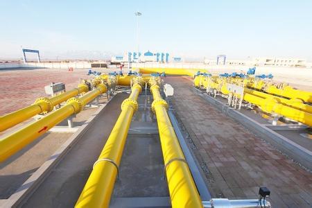中亚天然气管道建设带动南疆发展